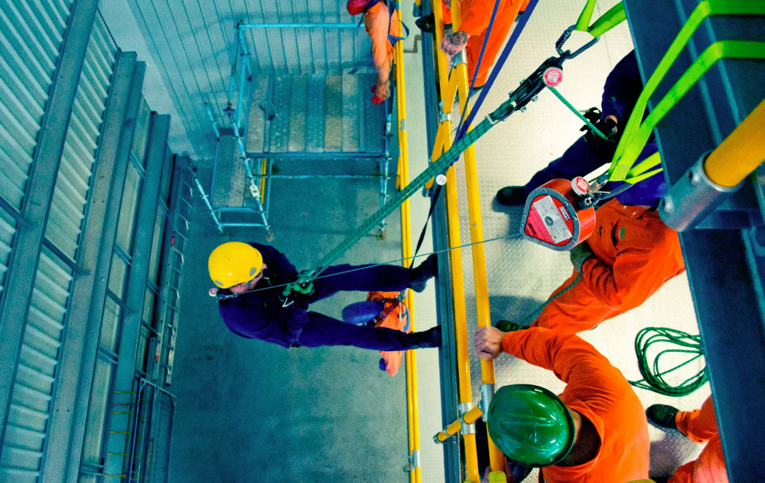 What Can You Expect to Learn From the Work Safely at Heights Course?